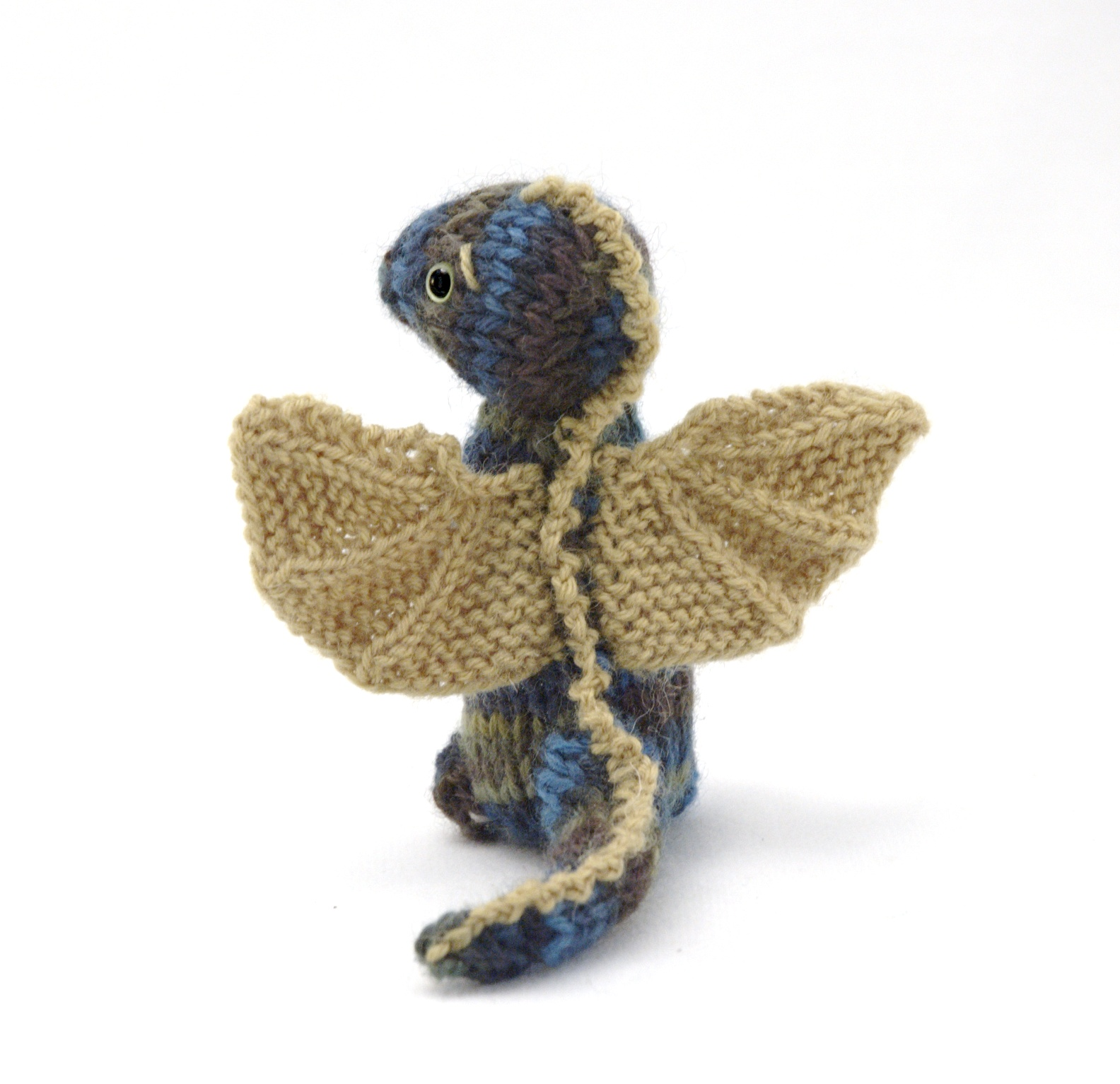 Dragon Wings Knitting Pattern : Fuzzy Thoughts: wee dragon