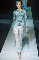 Летен костюм в пастелен принт с прав панталон на Giorgio Armani