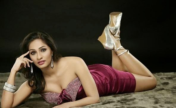 Aashi Thakur Photo Shoot Stills