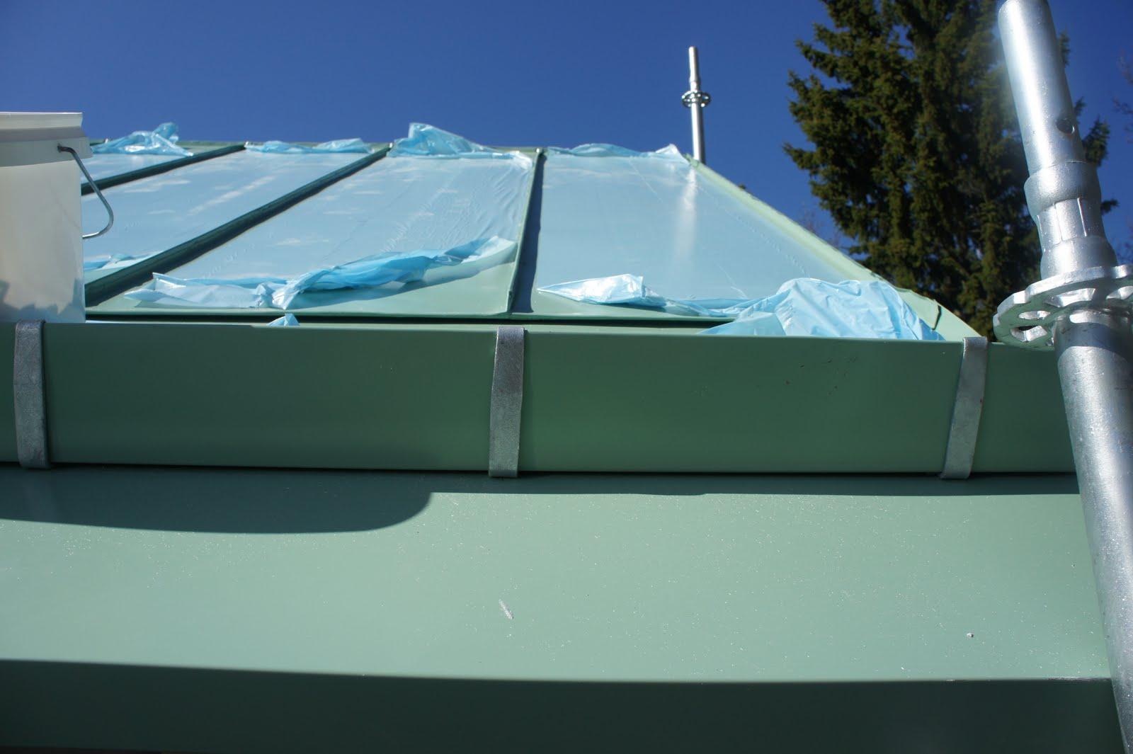 Sidenhuset: Falsat plåt tak