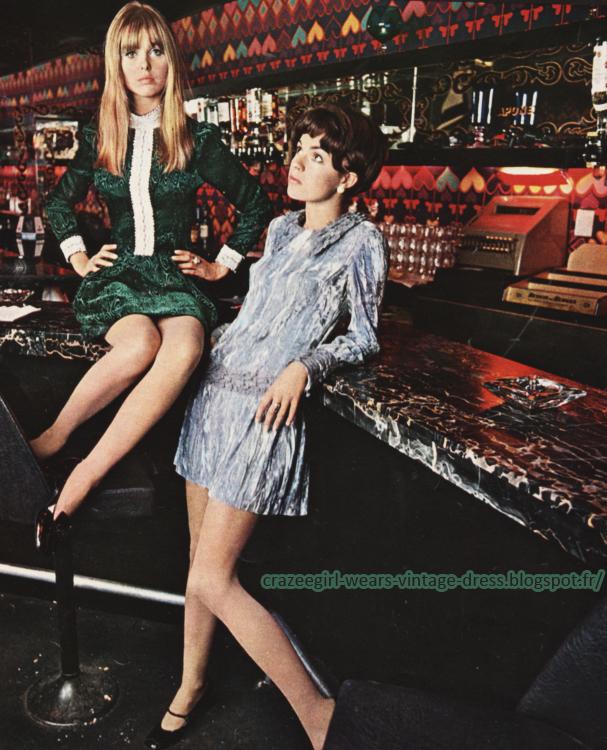 London fashion - shop Mary Quant velvet dress Speakeasy- 1967 60s 1960