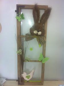 fenêtre décorée pr Pâques