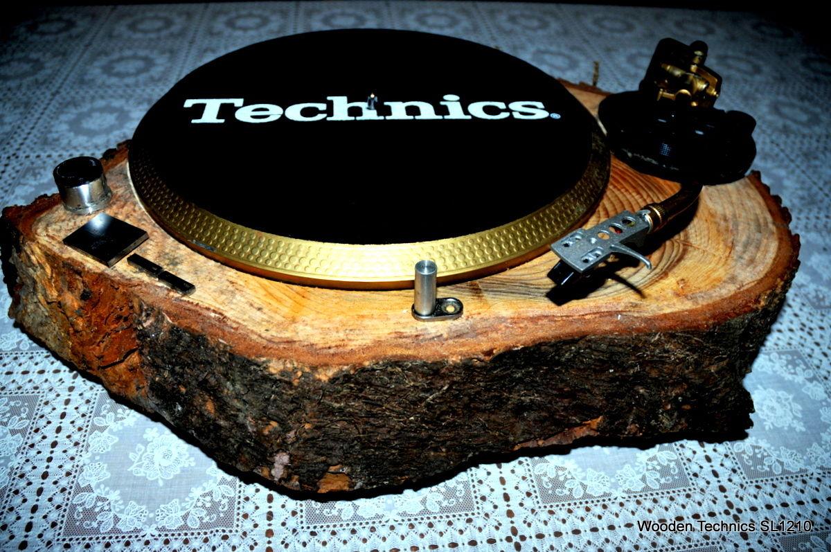 Die wohl beste eBay Auktion in diesem jungen Jahr - Ein 1210er MKII in einer Echtholzplatte verarbeitet