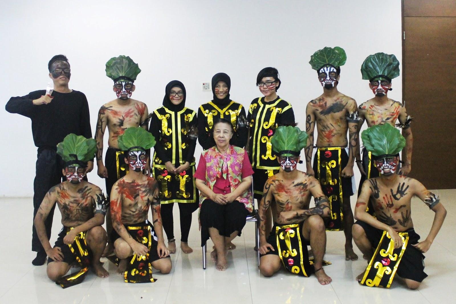 Ocir - Hamdani - Jeki wearing drama property - Roni