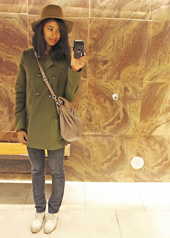 Bo Ling's NikGLifeAndStyle.com bathroom shot selfie