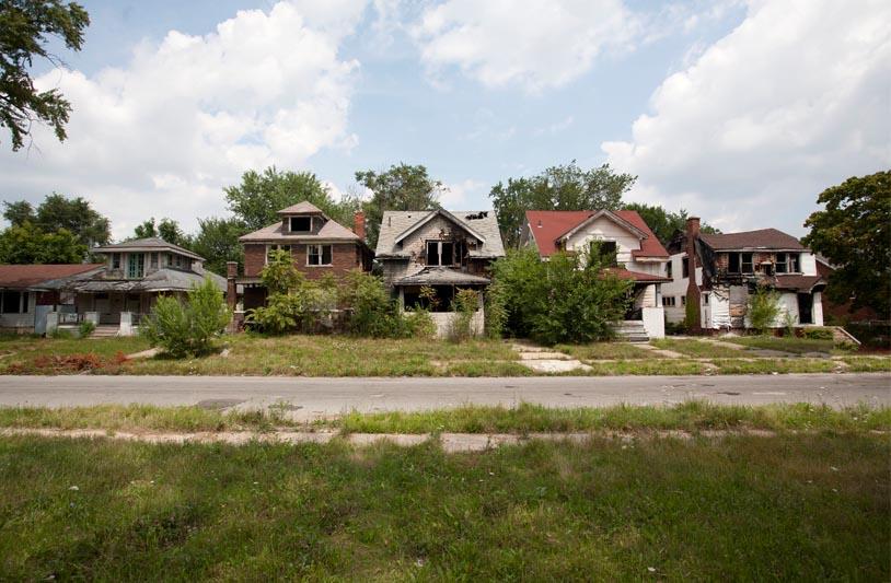 Old Twoleg Place Abandoned+suburb