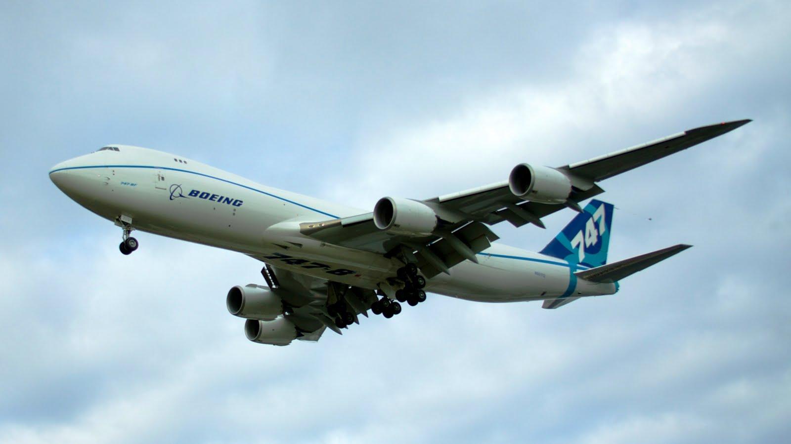 http://3.bp.blogspot.com/-Y7poxShmkI8/TjbfiRMM_SI/AAAAAAAAGI0/jOHwjlV4HVY/s1600/Boeing_747-8F_inflight_817521_aircraft-wallpaper.jpg