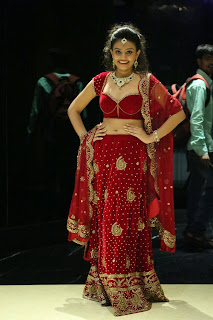 Actress Nikitha Narayan Latest  Pictures in Designer Dress at Fashionology Fashion Show 2013 0060.jpg