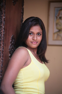 Actress Kiruthika Spicy Gallery (3)