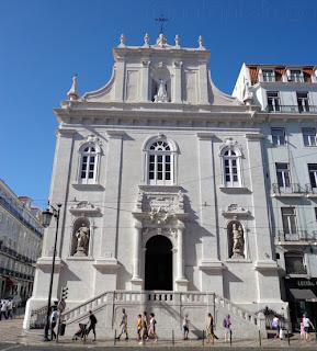 Igreja+dos+Italianos+Madonna+di+Loreto+Chiado+Lisboa+Portugal+Lisbona+Lisbonne+Lisbon+Italians+Church.jpg (500×554)