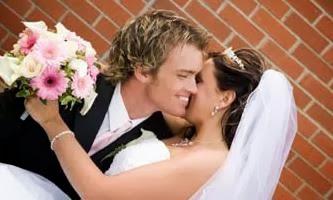 لهذه الأسباب تتخوف الفتيات من الزواج ,عروسة,عريس ,زواج ,عرس,رجل يحمل زوجته,bride,husband,marriage,groom,man carry woman