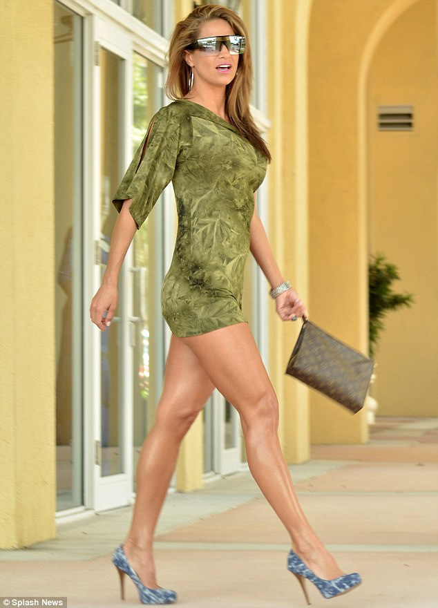 Jennifer nicole lee stepped out in a scandalously short green dress