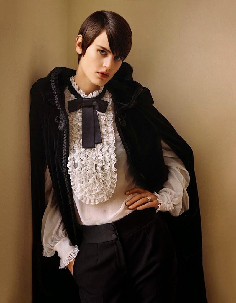Noblesse Obligue Saskia de Brauw Vogue Paris December 2014