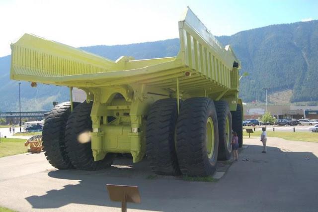 PhotoFunMasti: Biggest Truck In The World