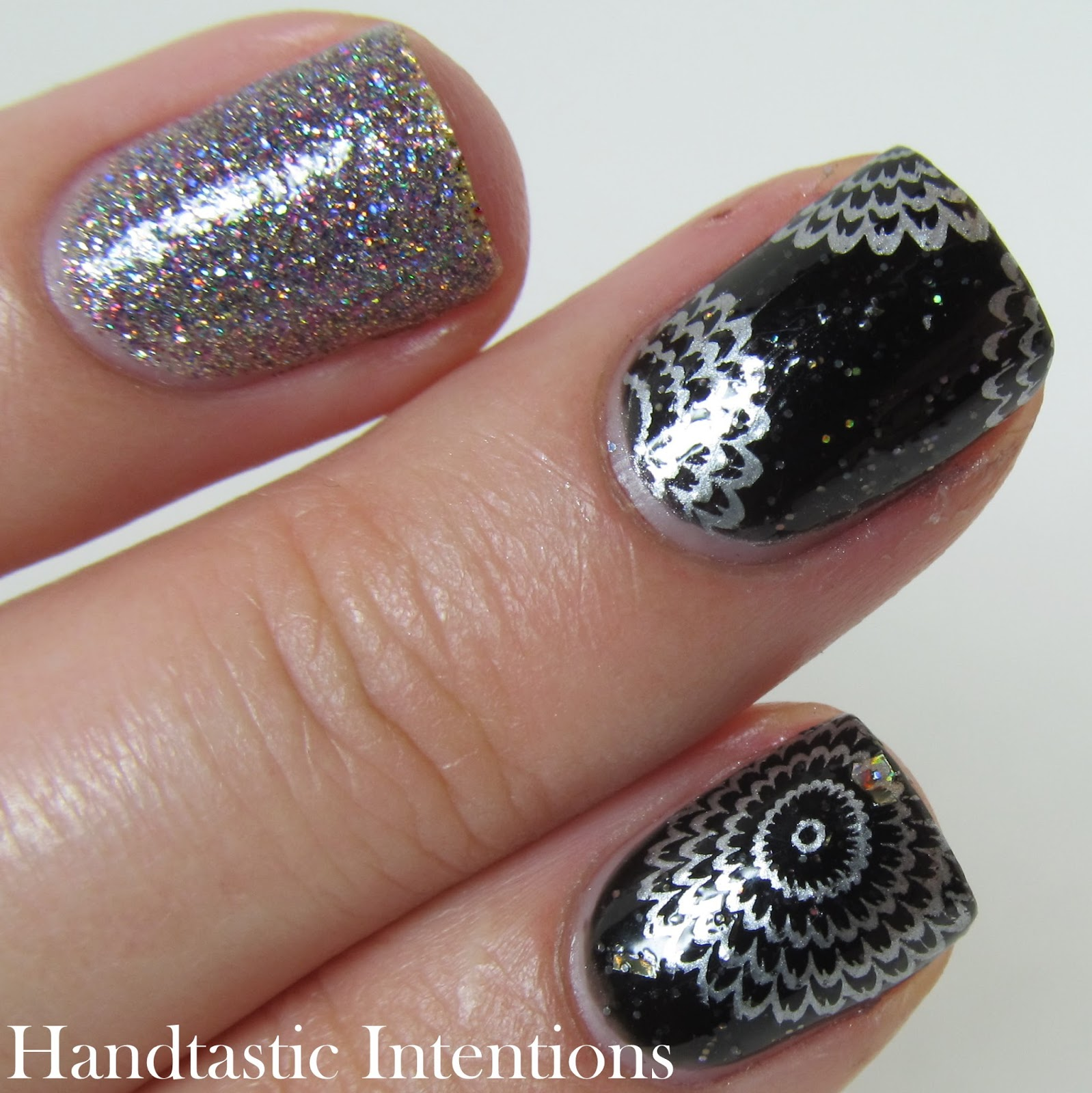 New-Years-Eve-Nail-Art-Fireworks