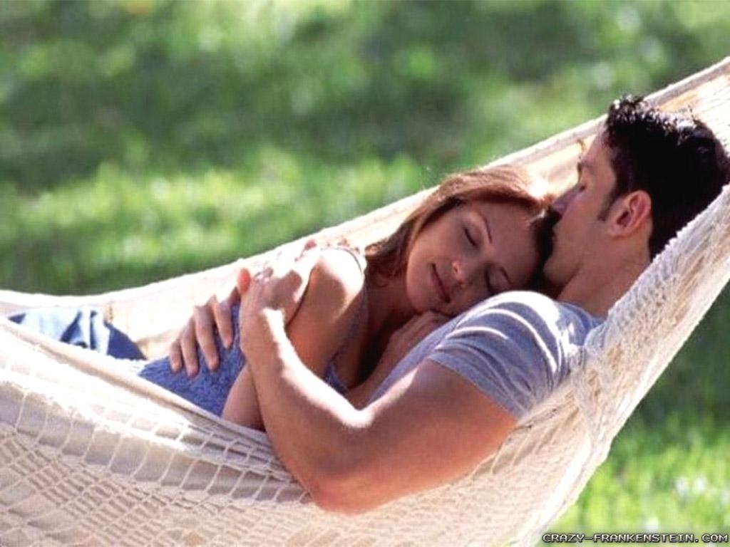 http://3.bp.blogspot.com/-Y98MUE2dRVY/UVQ3zIKoJPI/AAAAAAAAAxg/aVf9-Rr0aAQ/s1600/romantic-hug-wallpapers-1024x768.jpg