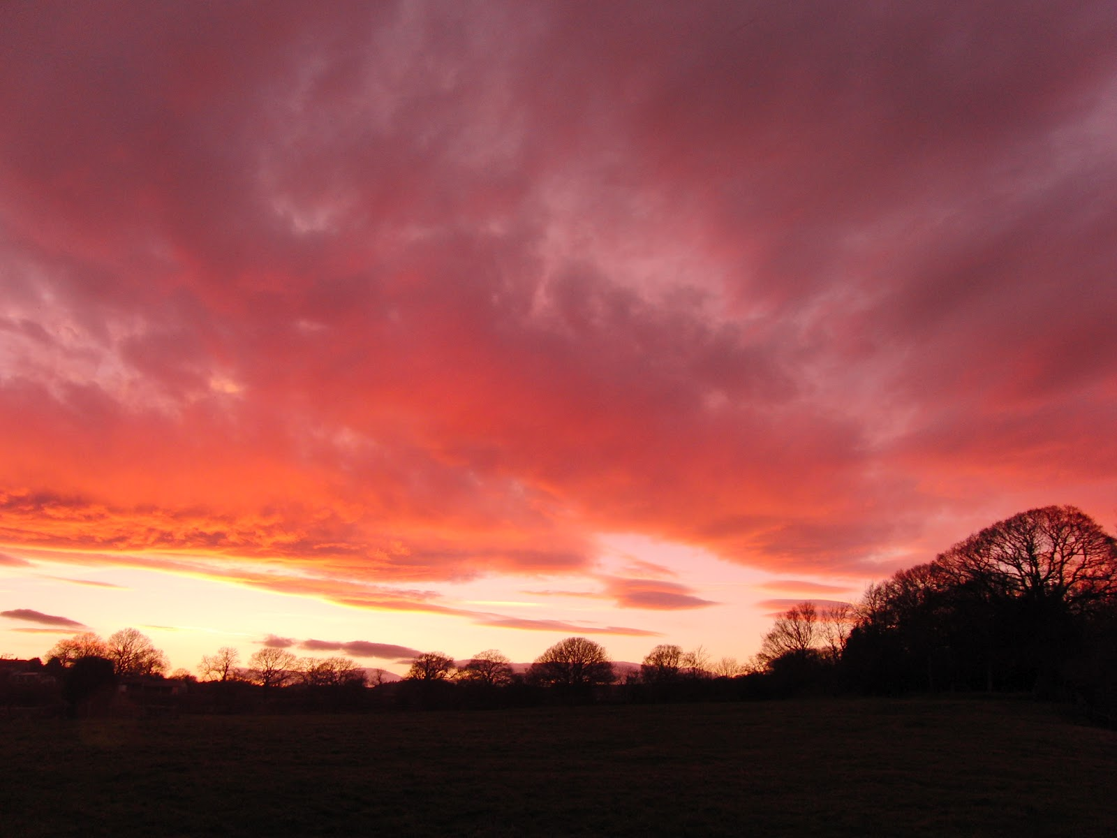 Red sky at night sheperds delight,