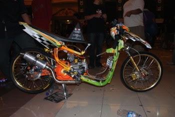 Modifikasi Motor Vega Gaya Racing Look Thailand