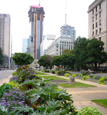 Gardens On University Avenue. University Avenue Is A Major North South Road  In Downtown Toronto And Is Probably The Most Prestigious.