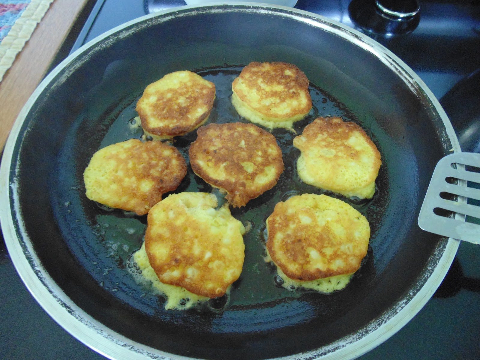 Colonial Quills: Colonial Style Corn Fritters