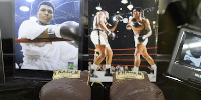 Ini Sarung Tinju Muhammad Ali yang Laku Terjual 10 Milyar