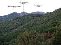 Vista de les muntanyes del nord-oest obtinguda després de creuar el Torrent dels Esparvers
