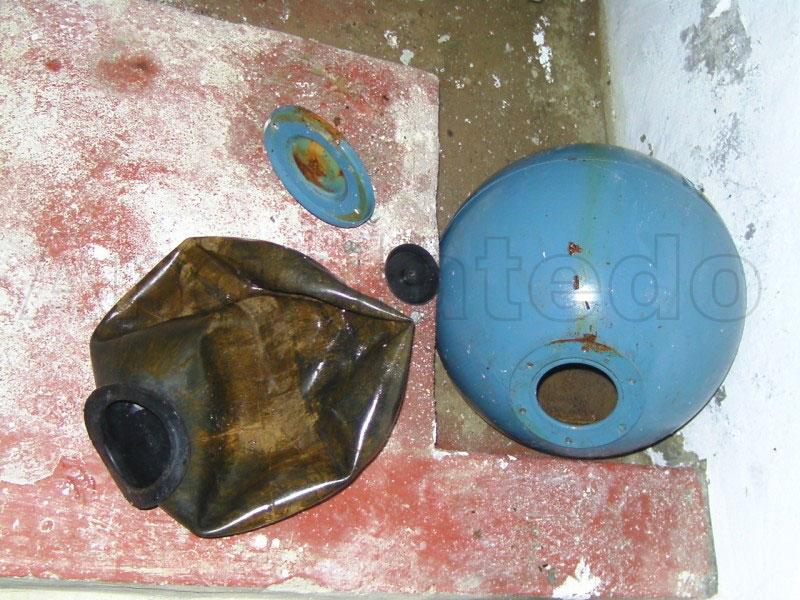 C mo funciona una hidrosfera o tanque hidroneum tico for Como instalar una terma electrica