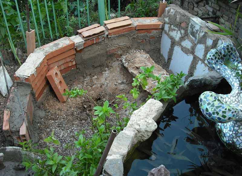 Joan seriny como decorar un estanque en trencad s mosaicos la base - Como decorar un estanque ...