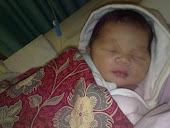 5 hours afta Newborn (11.11.10)