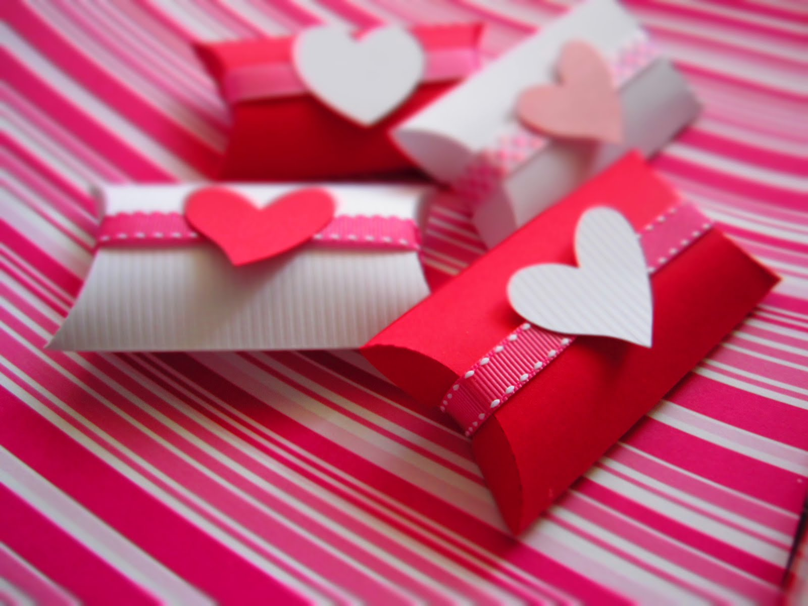 Allegro detalles que festejan amor y amistad for Detalles de manualidades