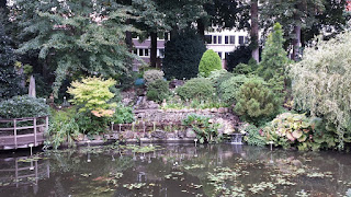 Clothes & Dreams: Leuven loving: a pool in the Kruidtuin
