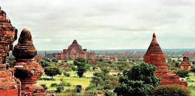 Bagan Temples and many Pagodas