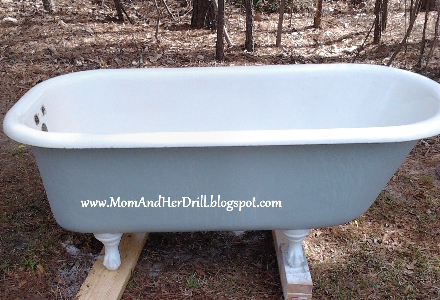 How to refinish a bathtub do it yourself home improvement for Redo bathtub