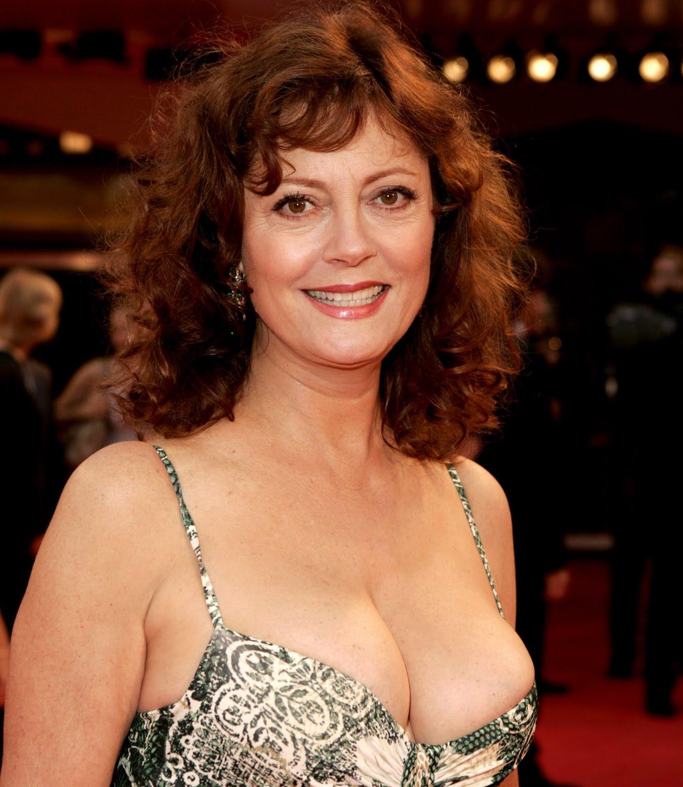 Celebrities Big boobs: Susan Sarandon - 95E