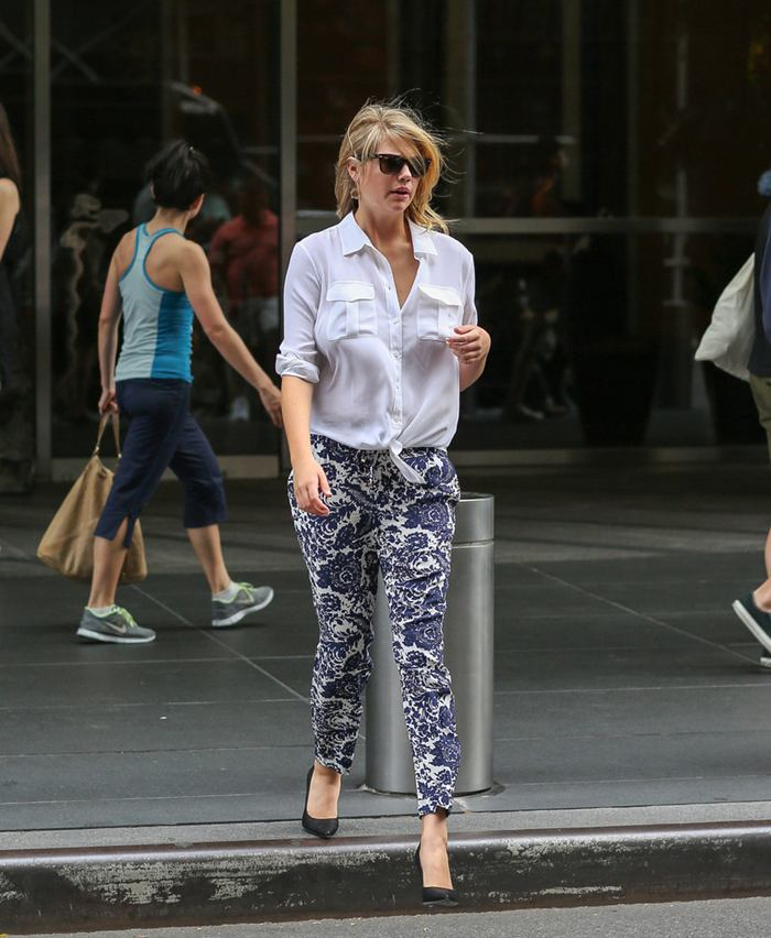 Kate Upton Leaving her Hotel in New York