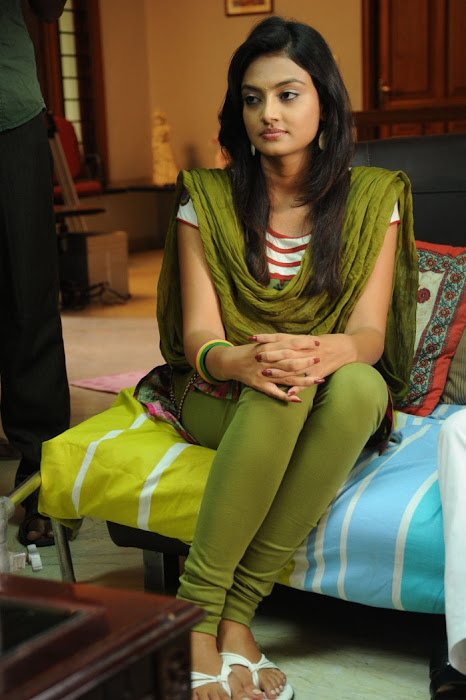 nikitha narayan from its my love story, nikitha narayan hot images