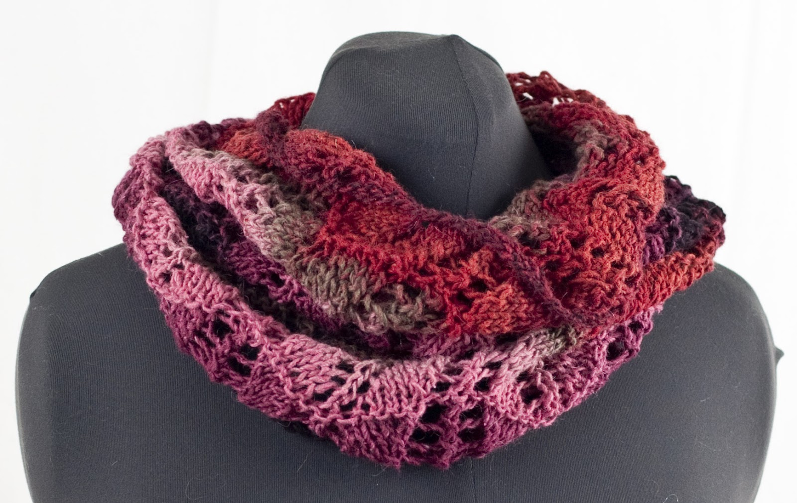 Cascade Yarns Blog: Casablanca Barred Scallop Cowl