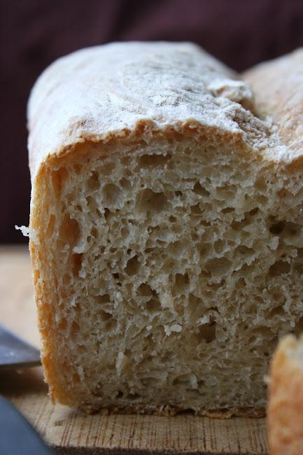 Chleb foremkowy z przedziałkiem