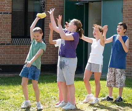 esperamos que disfrutis del verano con vuestros hijos y pongis en prctica alguno de estos divertidos juegos al aire libre