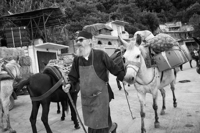 diaforetiko.gr : niofirstline agion+oros+ Όταν ο άνθρωπος έχει μέσα του το Θεό…