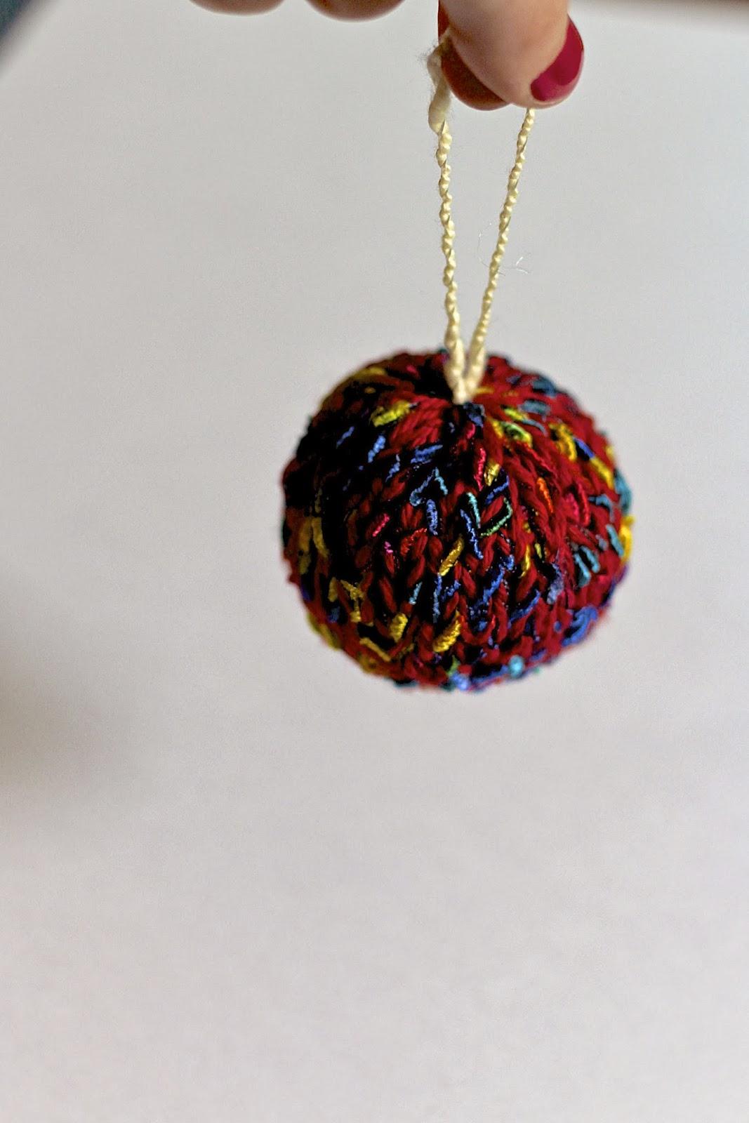 Knitting Pattern Ornament : Lexalex: Knit Ornament Pattern