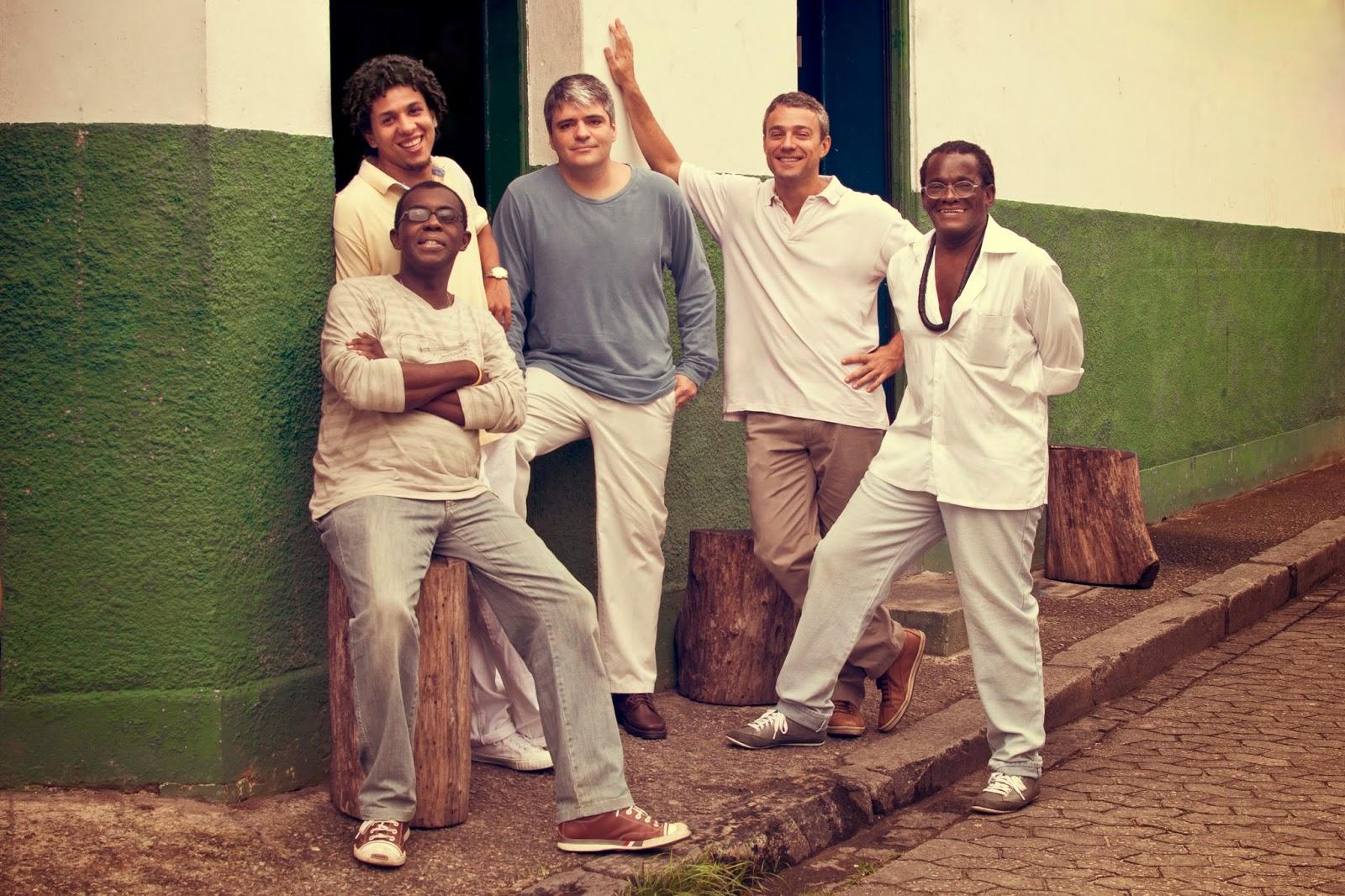 GrupoSemente FotografoAlfredoAlves Cr%C3%A9ditosDomBprodu%C3%A7%C3%B5es0187 Coluna de Samba - Dezembro - Casa da Gente