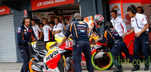 Marquez salah pit