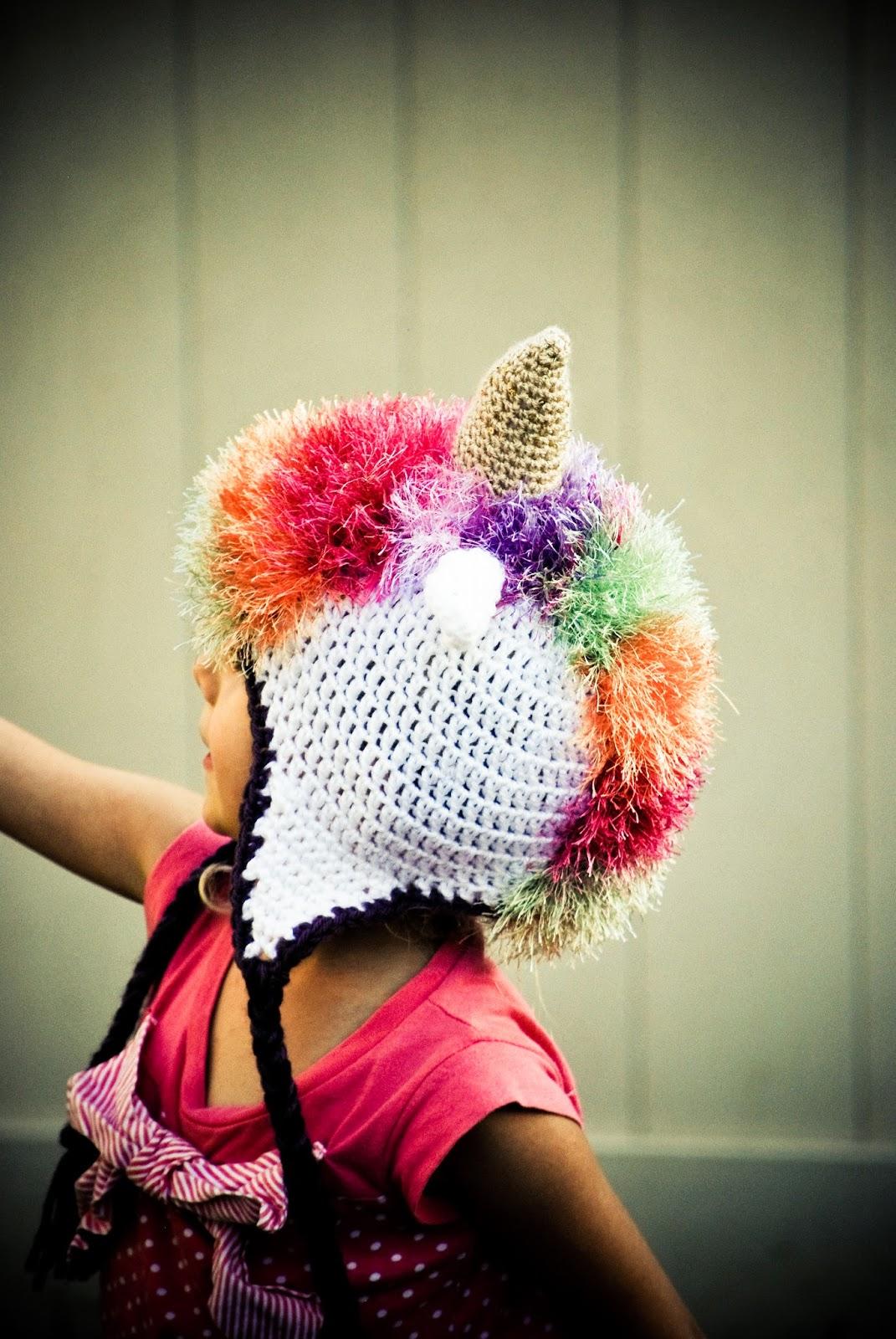 Crochet Unicorn Hat Pattern Free : Mayas Wonderland: Crochet unicorn hat - Free crochet pattern