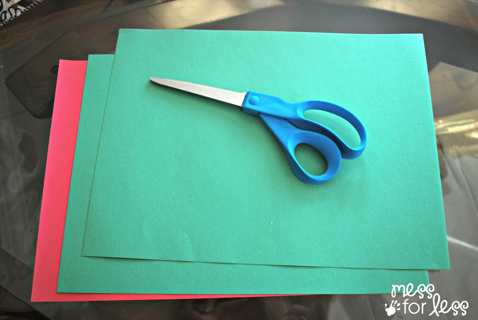green construction paper Source construction paper craft ideas are great for making creative items like colorful flowers or some decorative structures which are not only beautiful, but very handy as well.