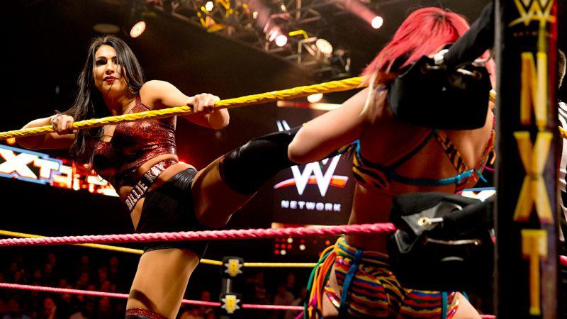 Female Pro Wrestling: Billie Kay vs Liv Morgan - NXT