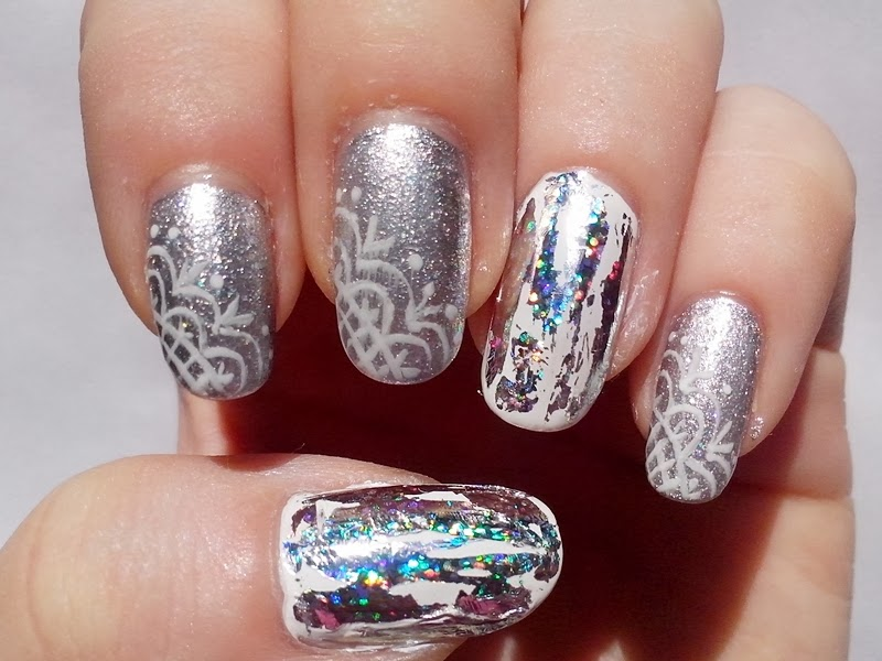 31DC2014 Day 15: DELICATE PRINT - Lace & Foil Nails