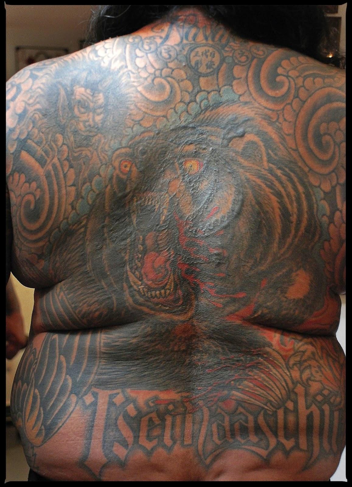 tattoo world running bear tattooing navajo rh irezumironin blogspot com Navajo Symbols navajo indian tribal tattoos