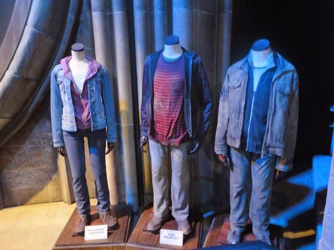 Harry, Rony e Hermione na Batalha de Hogwarts - Visitando os Estúdios de Harry Potter em Londres