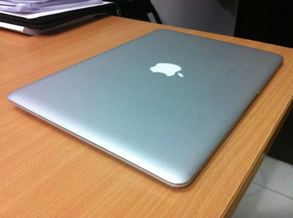 Bán Macbook Air MB003LL cũ (Late 2008), Core 2 Duo 1.60GHz, Ram 2G, HDD 80G máy đẹp 95%